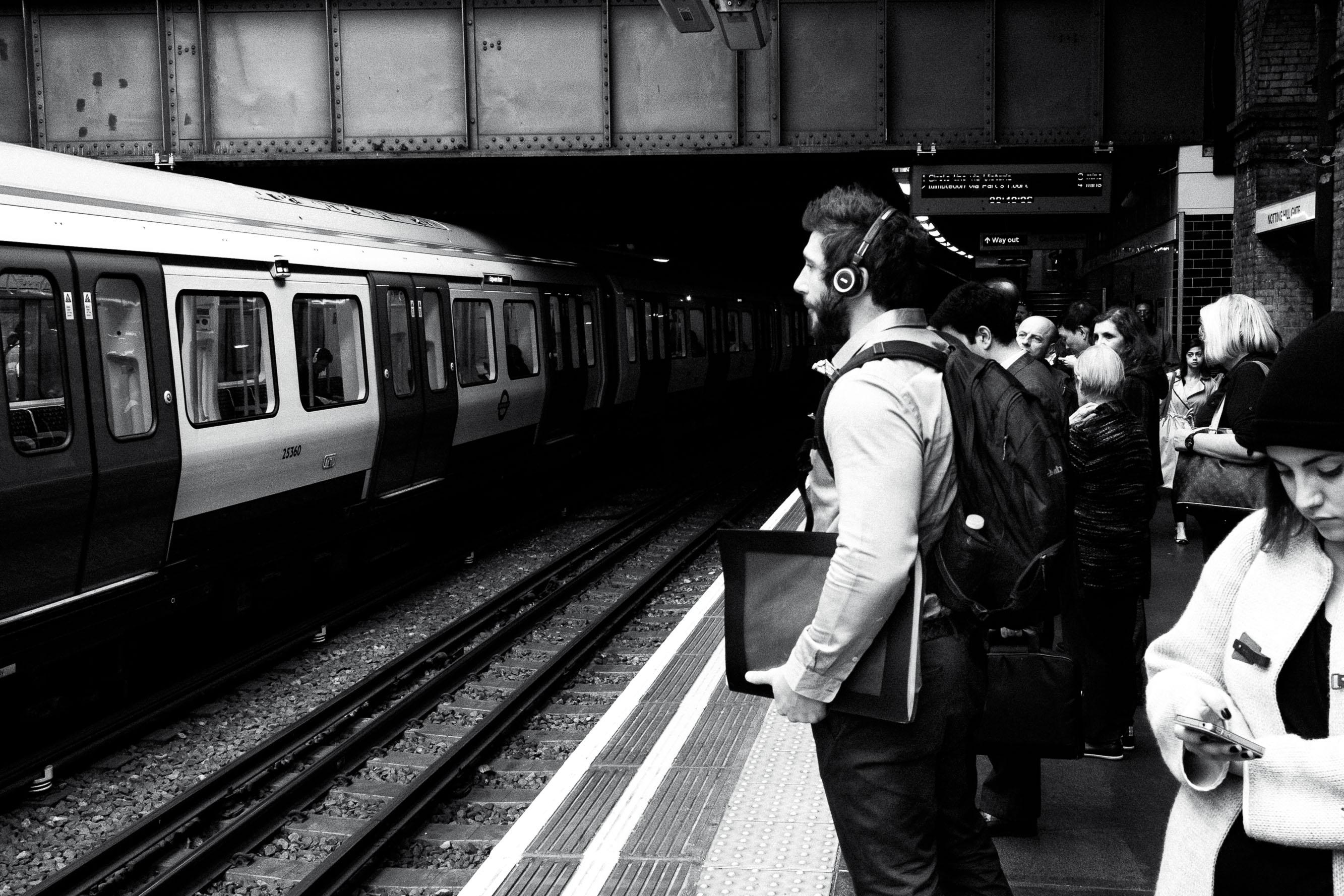 Sven-Michael---S-2014--1-[waiting-for-the-train]---©-Sven-Michael-Golimowski.jpg